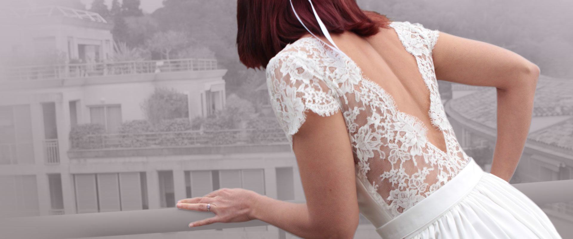 Robe de mariée balcon